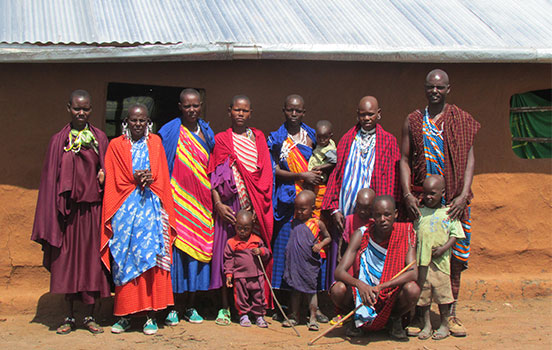 side-by-side_tanzanian-family.jpg